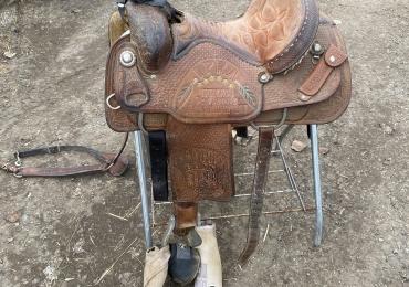 """15"""" Frontier trophy Roper Saddle"""
